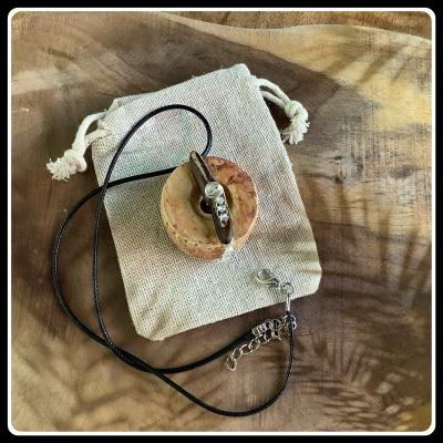 Bijou ecoresponsable donuts bois et graines de flamboyant 1