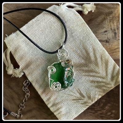 Comme jade bijou pendentif verre recycle ecoresponsable 1