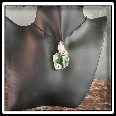 Comme jade bijou pendentif verre recycle ecoresponsable 2