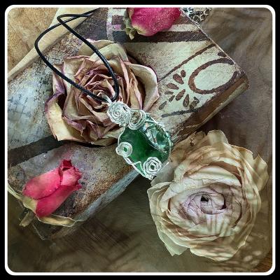 Comme jade bijou pendentif verre recycle ecoresponsable 4