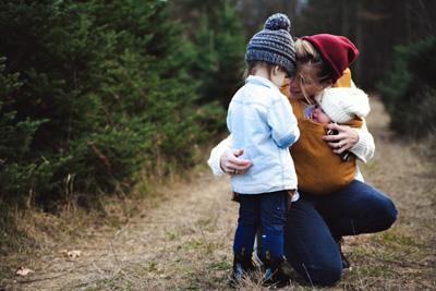 Couple parent enfant le jeu marie laure konig art therapeute certifiee oise art therapie therapie par l art comprendre son enfan
