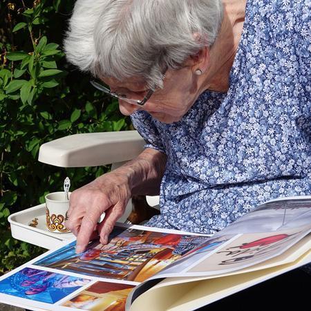 Ehpad activite manuelles et art therapie personne agee retraite oise