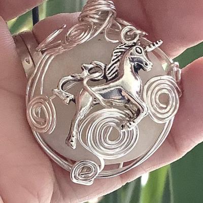 Licorne bijou pendentif pierre cap ferret 1