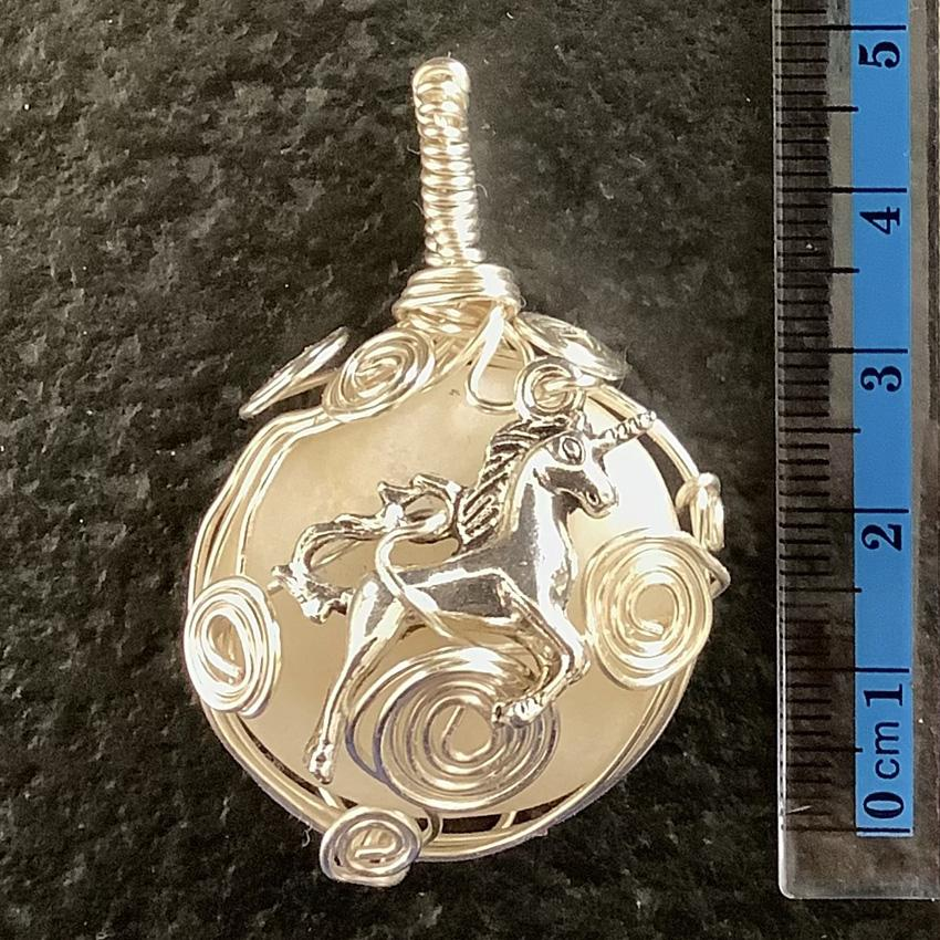 Licorne pendentif pierre cap ferret